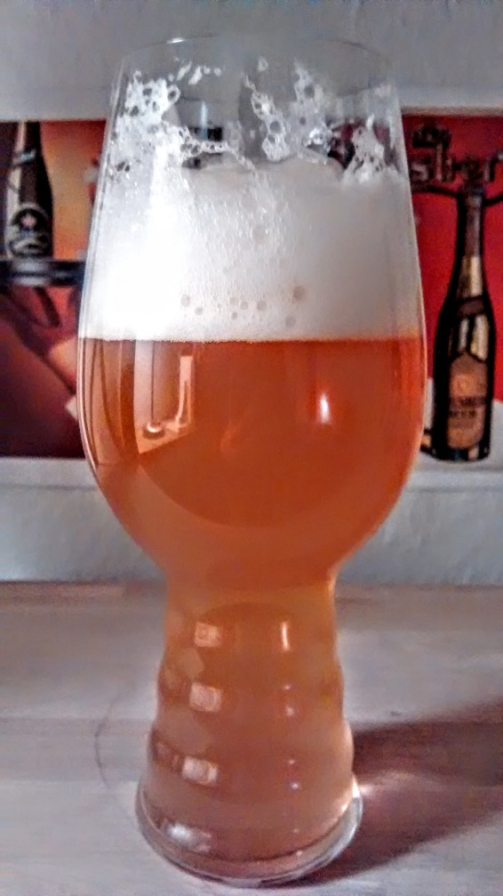 Øllen står flot i glasset.